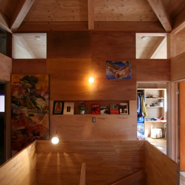 2階階段室(本棚)